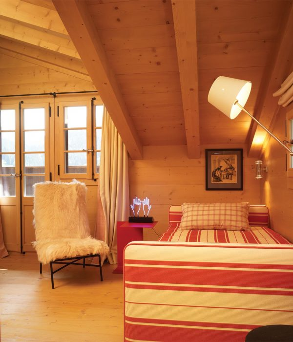 Camu_and_Morison-A_chalet_in_Switzerland (7)
