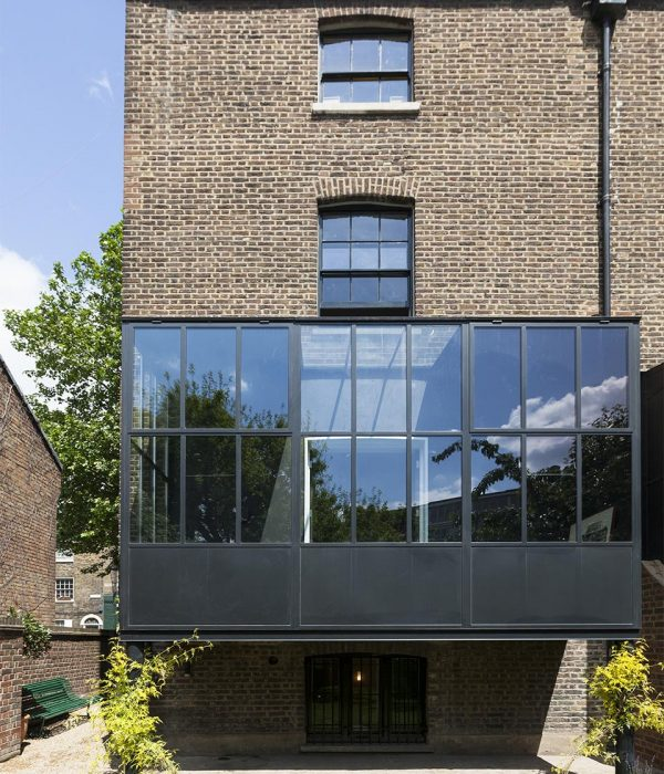 Camu_and_Morrison-A_grade_1_house_in_south_London (14)