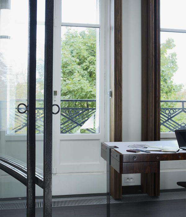 Camu_and_Morrison-A_pied_a_terre_in_Paris (6)