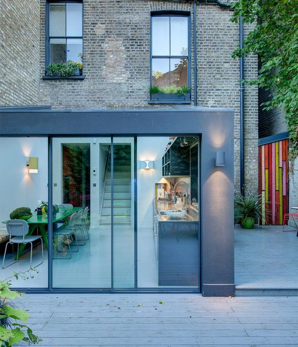 Camu_and_Morison-A_gallery_in_London (5)