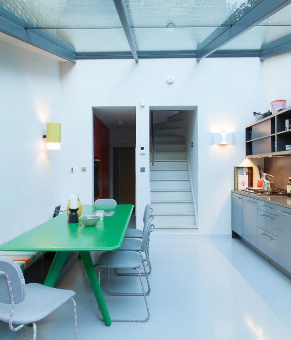 Camu_and_Morison-A_gallery_in_London (6)