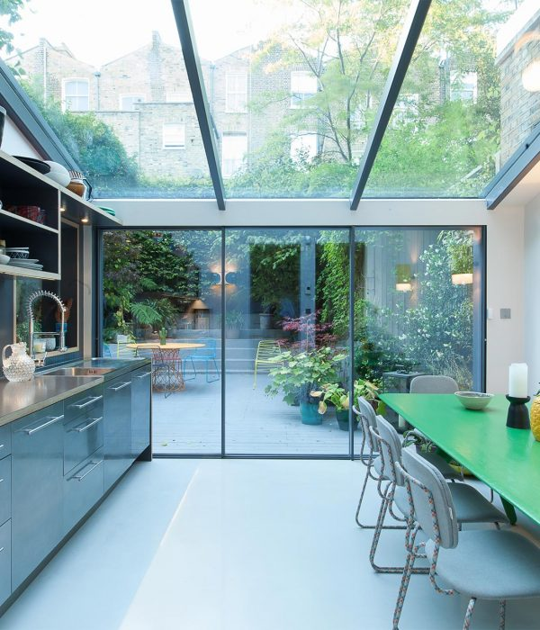 Camu_and_Morison-A_gallery_in_London (7)